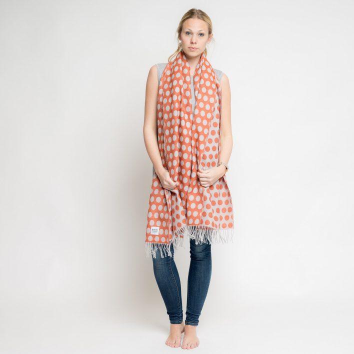 nice-merino-scarf-dots-10.jpg