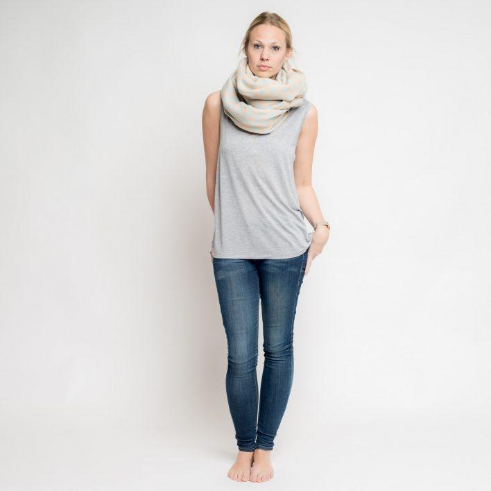 nice-merino-scarf-dots-2.jpg