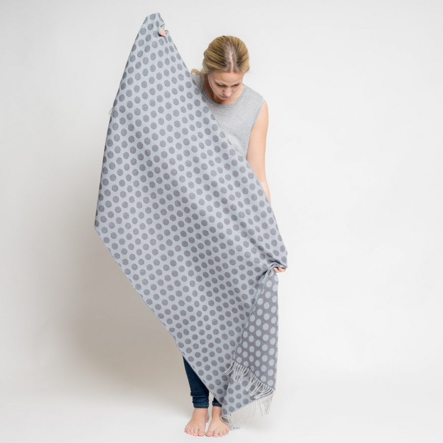 nice-merino-scarf-dots-27.jpg
