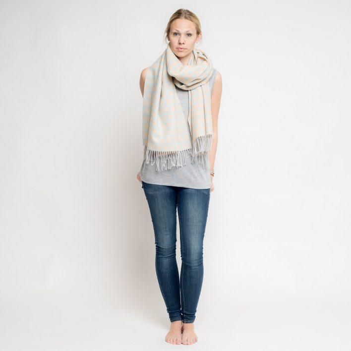 nice-merino-scarf-dots-4.jpg