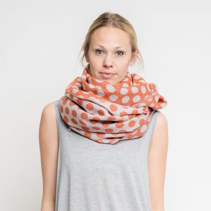 nice-merino-scarf-dots-8.jpg