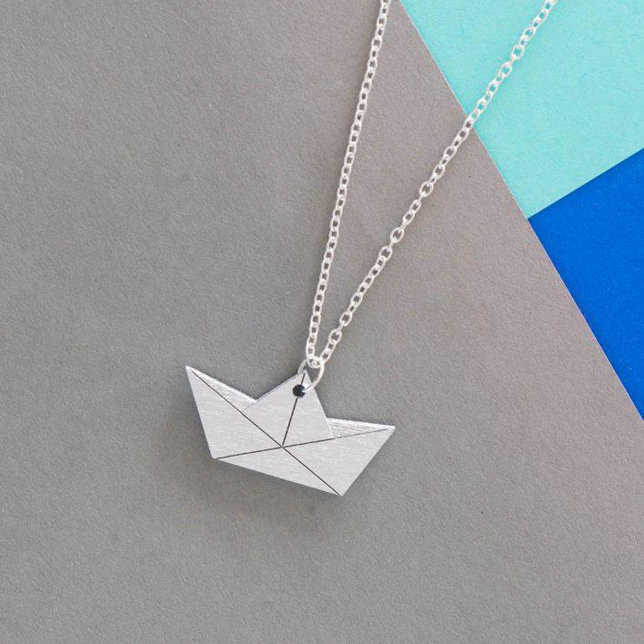 nicenicenice-Papierboot-Kette-2.jpg