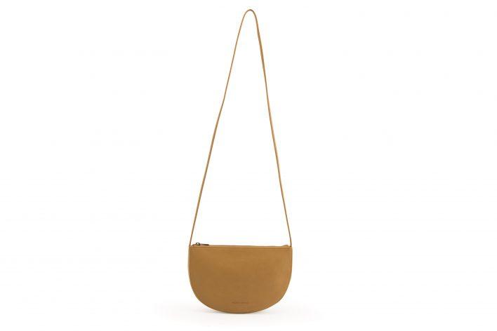 M&A – Farou half moon bag – Caramel fudge