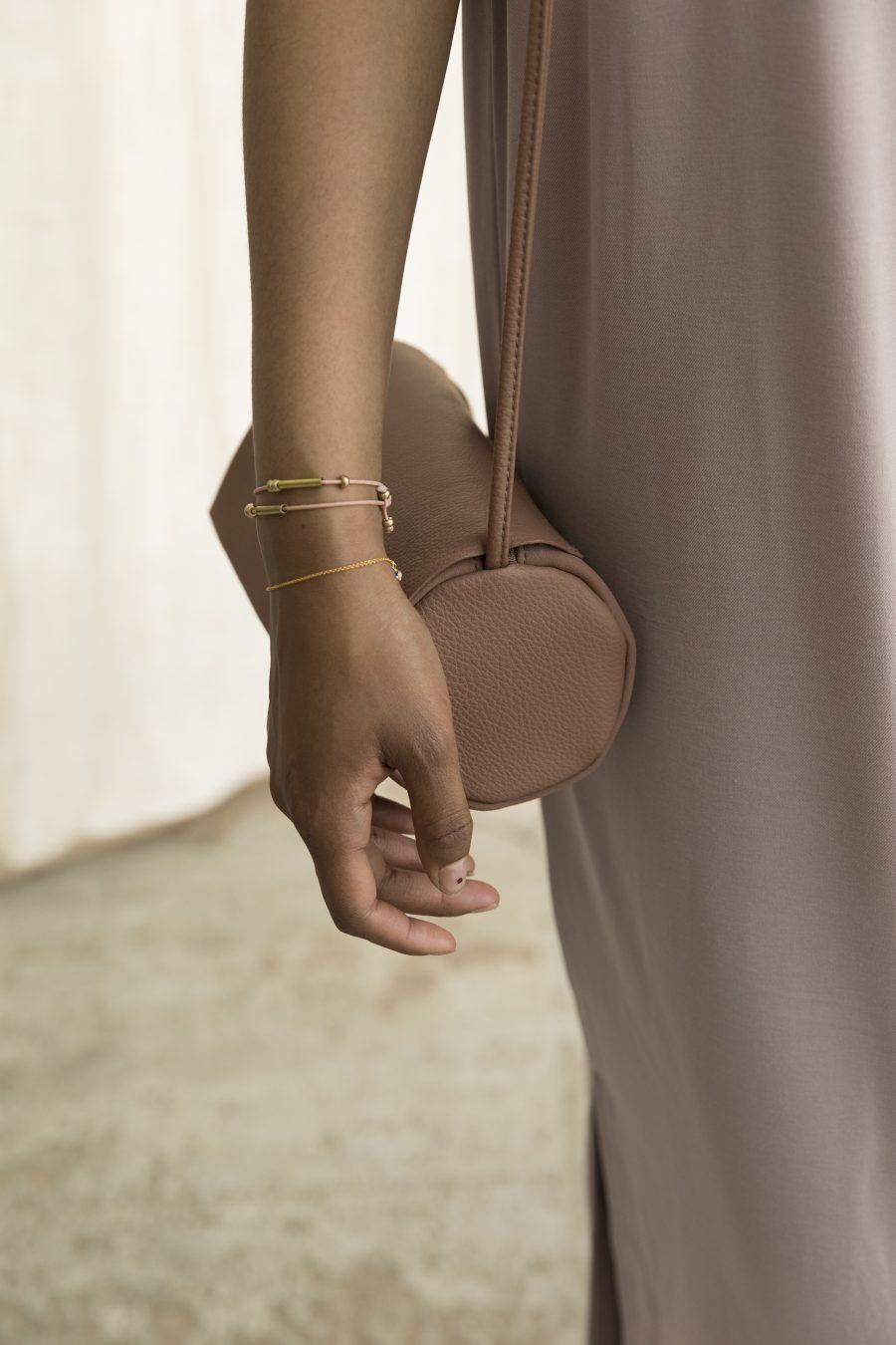 1601352 – Monk & Anna – style – Full moon bag – Chestnut
