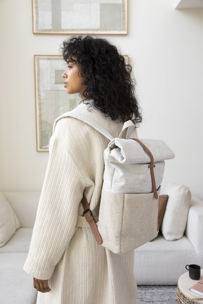 1601395 – Monk and Anna – style – Herb backpack – linen + jute – 02