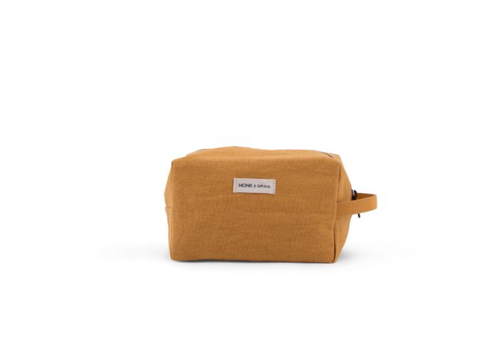 1601384 – M&A – product – Linen – Toiletbag – Honey