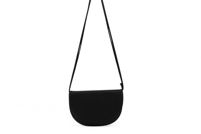 1601403 – Monk & Anna – product – Soma halfmoon bag – black