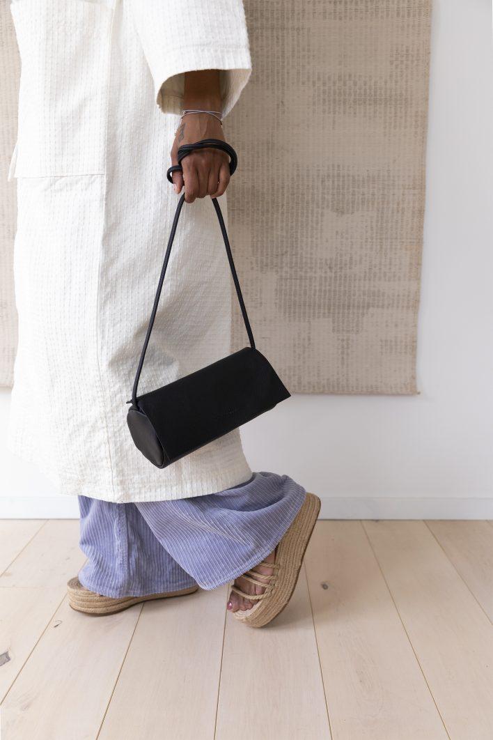 1601409 – Monk & Anna – style – Full moon bag – Black