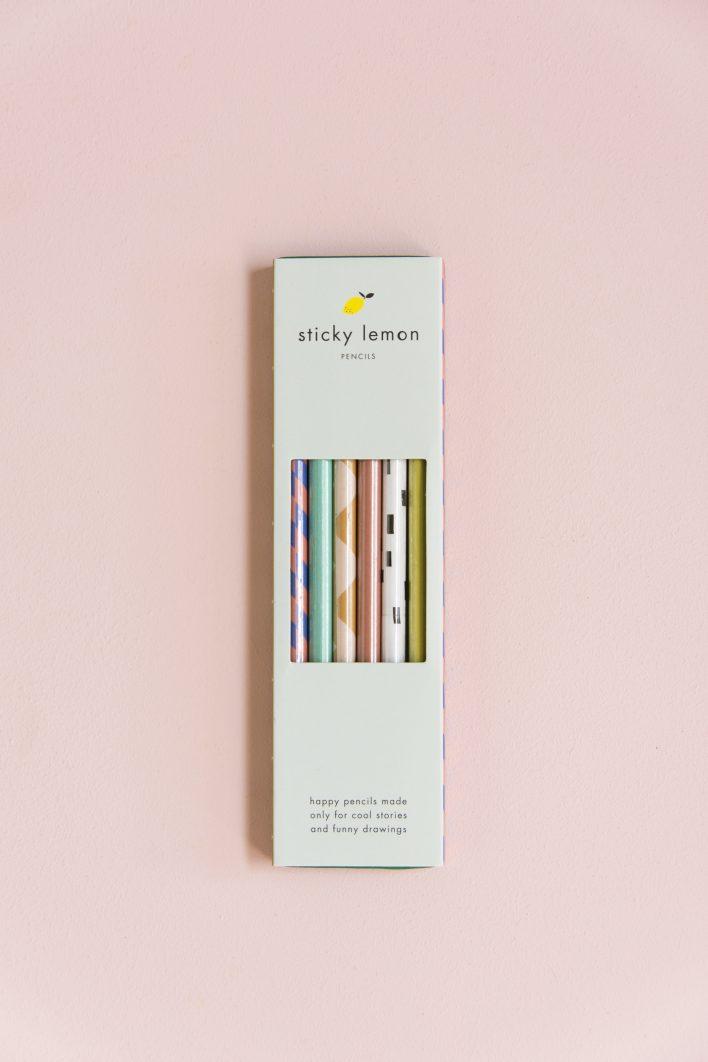 1801246 – Sticky lemon – Style – Pencils in a
