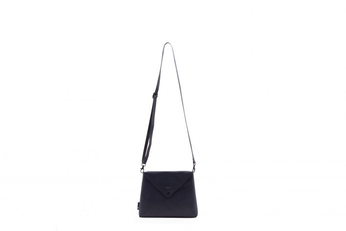 1502112 – Tinne+Mia – product – envelope bag – Carbon