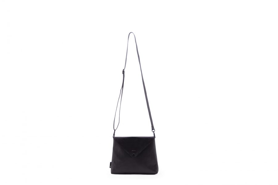 1502113 – Tinne+Mia – product – envelope bag – Black