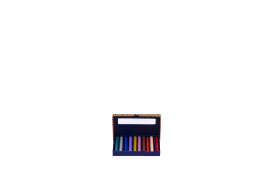 1801577 – Sticky Lemon – Crayons – inside