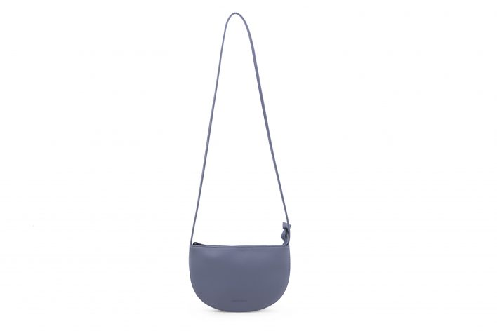 1601441 – Monk & Anna – product – Farou half moon bag – faded blue