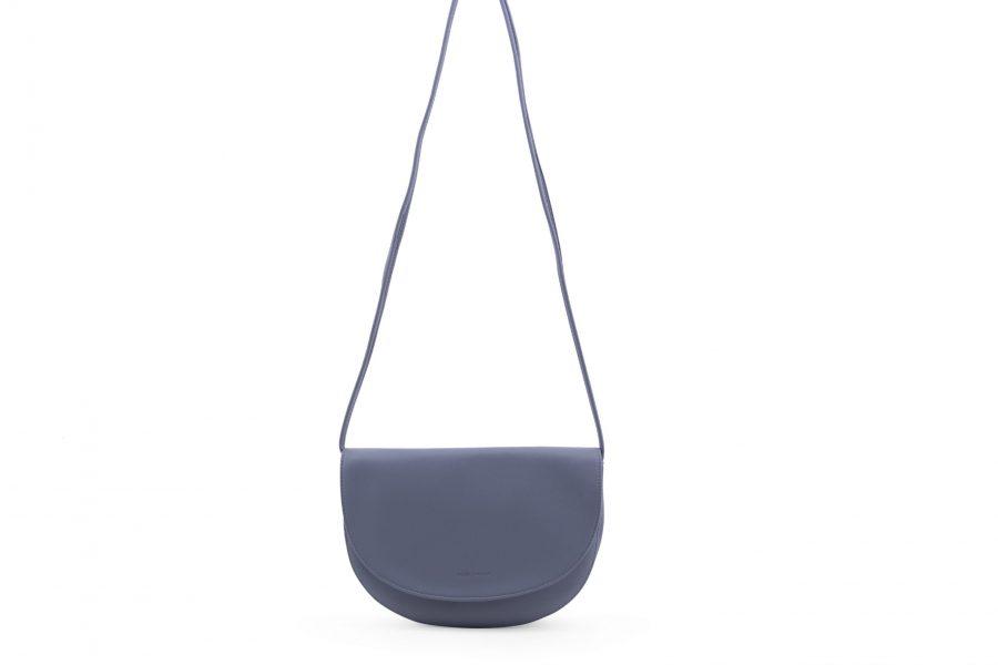 1601445 – Monk & Anna – product – Soma halfmoon bag – faded blue
