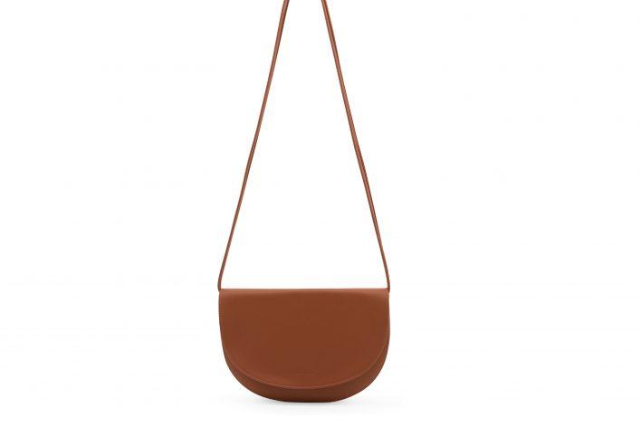 1601447 – Monk & Anna – product – Soma halfmoon bag – burnt orange