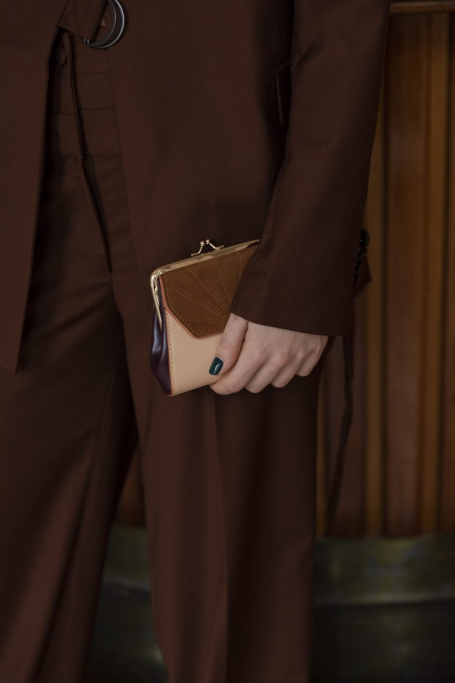 1801618 – The Sticky Sis Club – wallet – clay beige