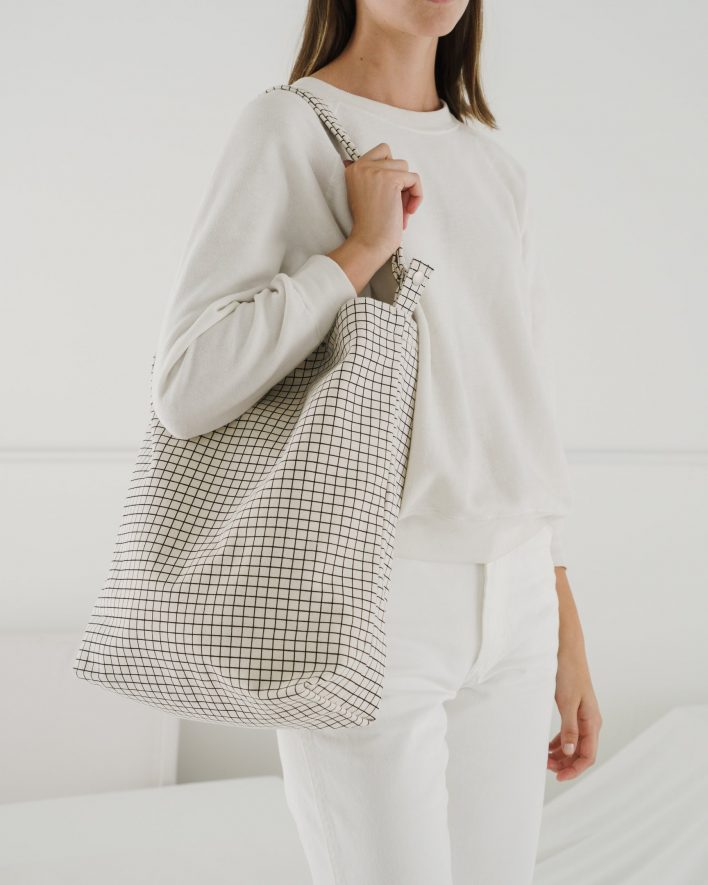 Duck_Bag_2_16oz_Canvas_Natural_Grid-02_52355da9-0f11-412f-b93a-d62099f30ef6_1728x2160_crop_center.progressive