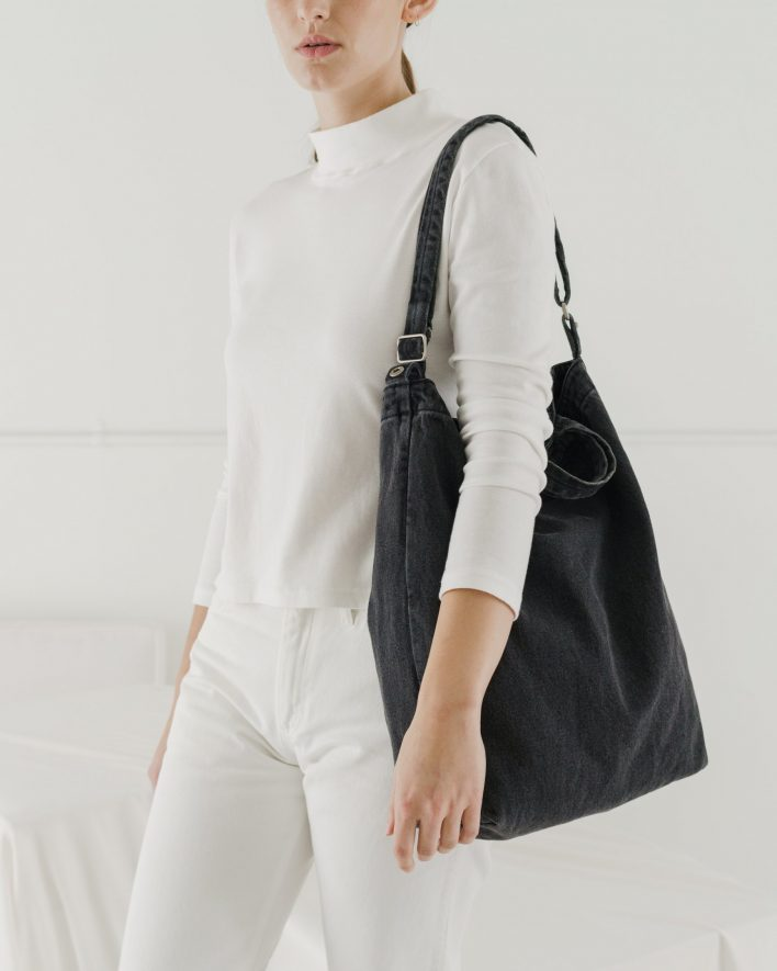 Duck_Bag_2_Denim_Washed_Black-02_e049b8ca-88a5-4694-beb3-91b7bf1c6ba7_1728x2160_crop_center.progressive