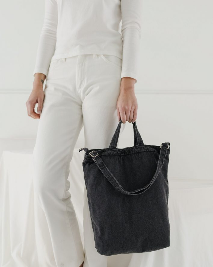 Duck_Bag_2_Denim_Washed_Black-03_7ea09a98-de60-4c74-a128-82bd41035ca4_1728x2160_crop_center.progressive