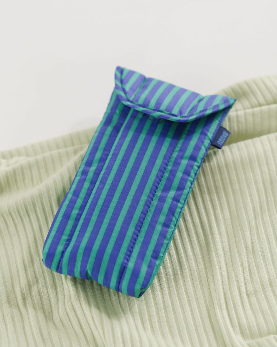 Puffy_Glasses_Sleeve_Ripstop_Cobalt_and_Jade_Stripe_03_1728x2160_crop_center.progressive