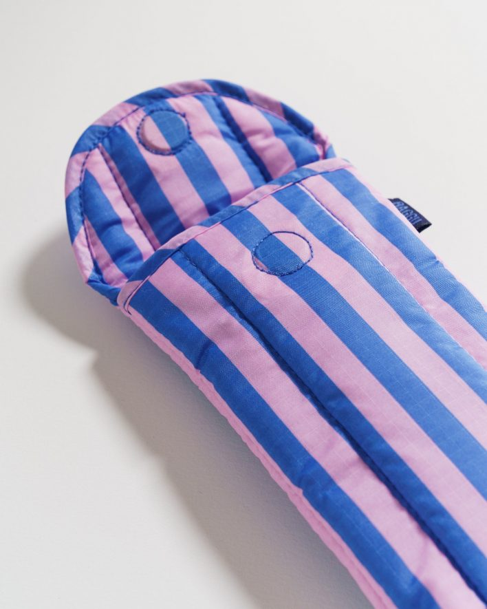 Puffy_Glasses_Sleeve_Ripstop_Pink_and_Blue_Stripe_04_1728x2160_crop_center.progressive
