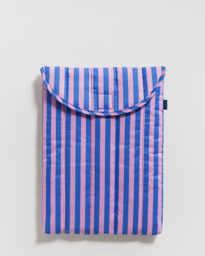 Puffy_Laptop_Sleeve_13__Ripstop_Pink_and_Blue_Stripe_01_1728x2160_crop_center.progressive