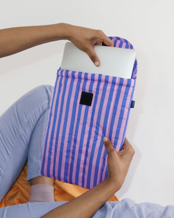 Puffy_Laptop_Sleeve_13__Ripstop_Pink_and_Blue_Stripe_02_1728x2160_crop_center.progressive