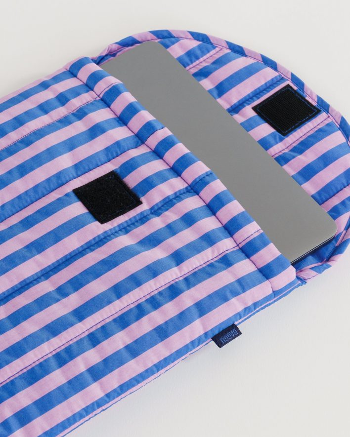 Puffy_Laptop_Sleeve_13__Ripstop_Pink_and_Blue_Stripe_04_1728x2160_crop_center.progressive