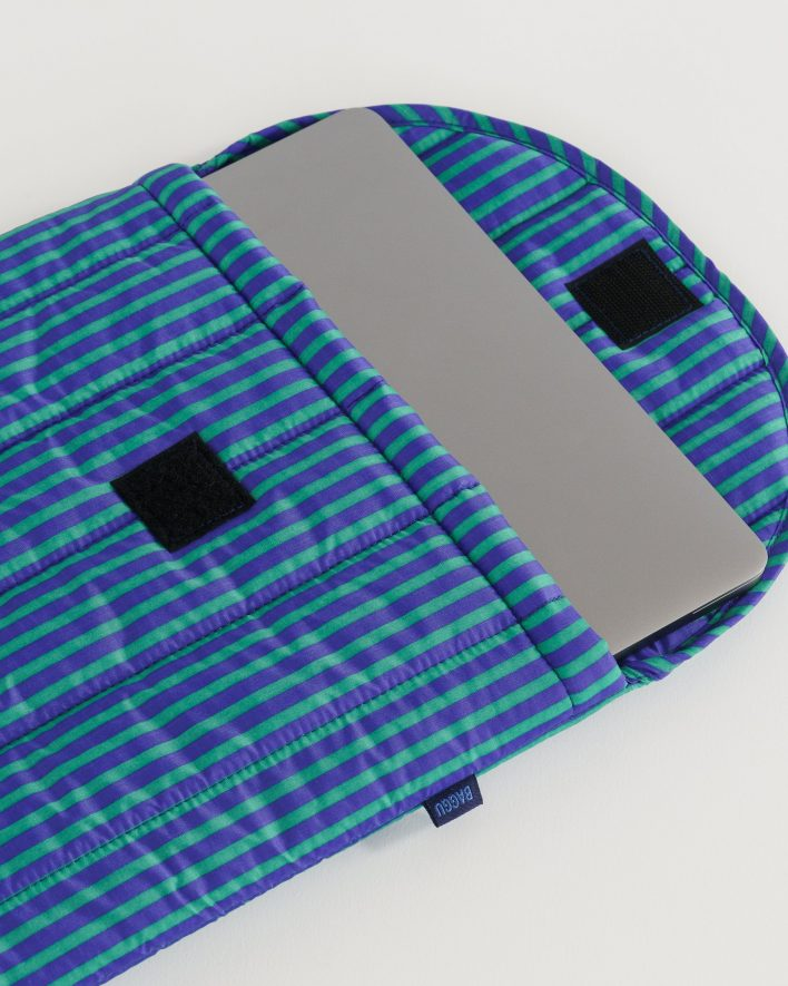 Puffy_Laptop_Sleeve_16__Ripstop_Cobalt_and_Jade_Stripe_04_1728x2160_crop_center.progressive