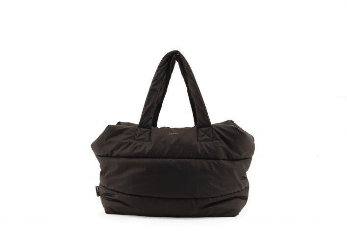 1502152- Tinne+Mia – product – Camill – big puffy weekend bag – black