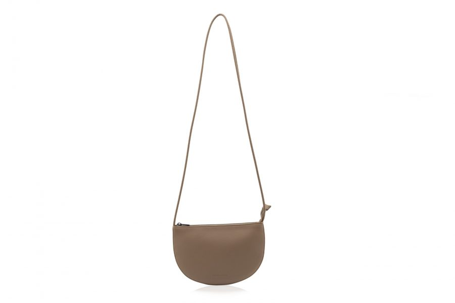 1601491 – Monk & Anna – product – Farou half moon bag – cacao – 1