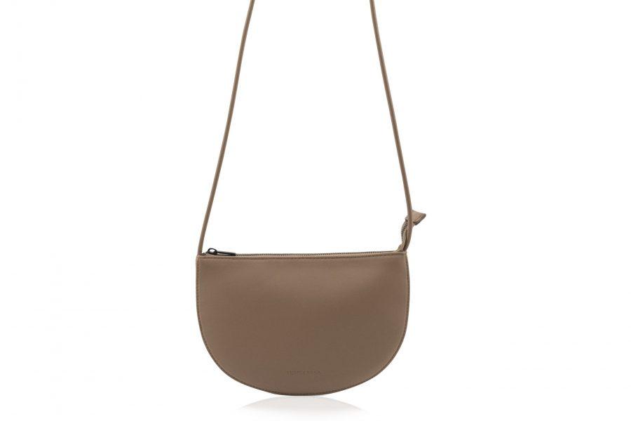 1601491 – Monk & Anna – product – Farou half moon bag – cacao – 2