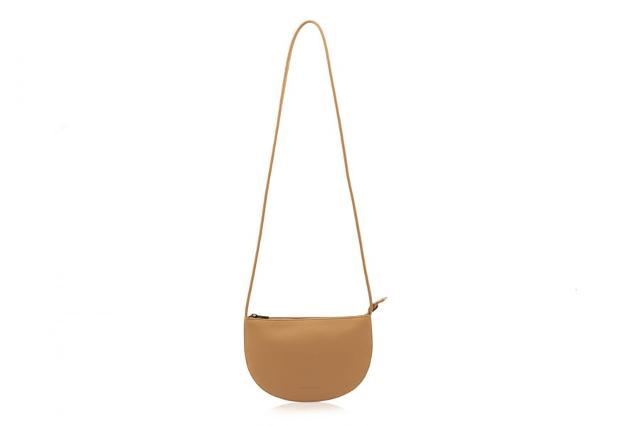 1601492 – Monk & Anna – product – Farou half moon bag – cashew – 1