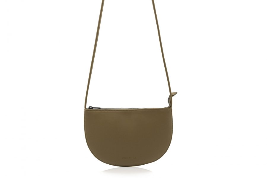 1601493 – Monk & Anna – product – Farou half moon bag – olive – 2