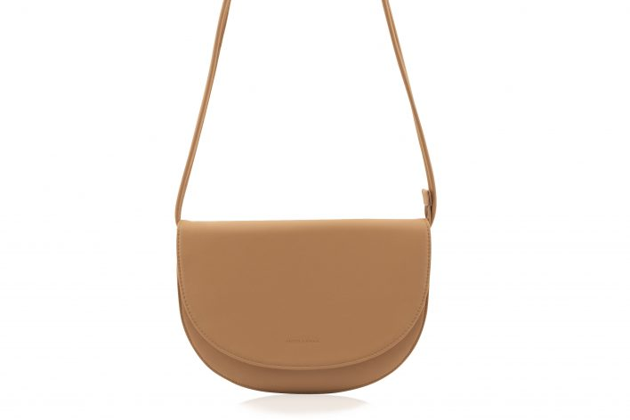1601495 – Monk & Anna – product – Soma half moon bag – cashew – 2