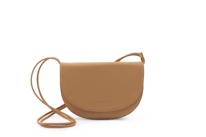 1601495 – Monk & Anna – product – Soma half moon bag – cashew – 3