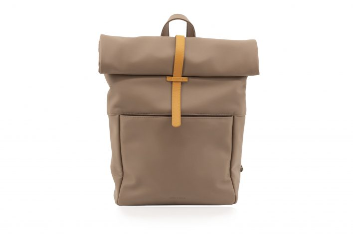 1601497 – Monk & Anna – product – Herb backpack – cacao