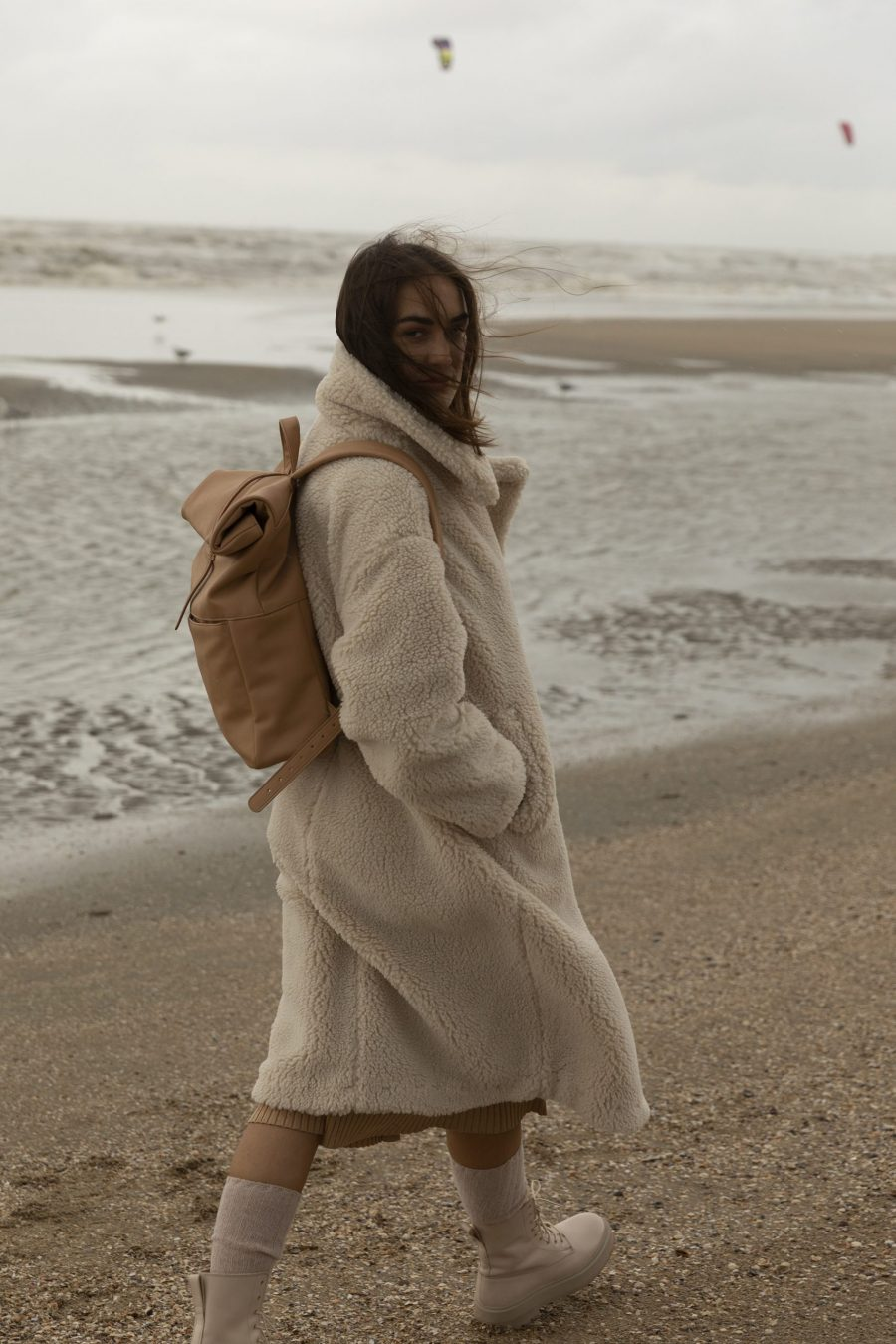 1601498 – Monk & Anna – style – Herb backpack – cashew