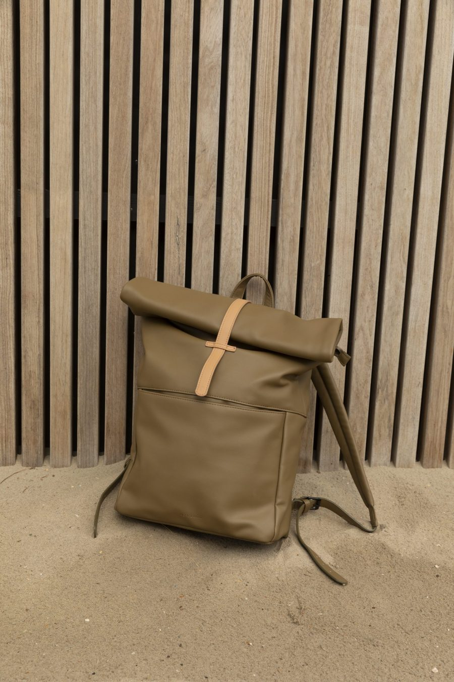 1601499 – Monk & Anna – style – Herb backpack – olive