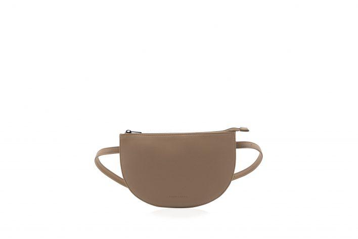 1601507 – Monk & Anna – product – Tsuki beltbag – cacao – 2