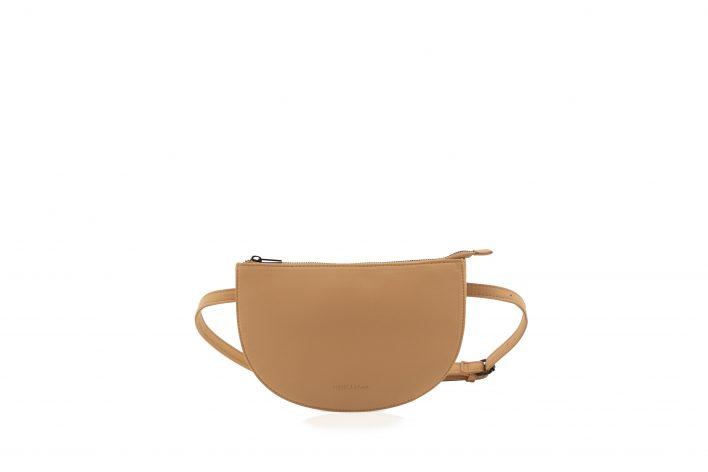 1601508 – Monk & Anna – product – Tsuki beltbag – cashew – 2