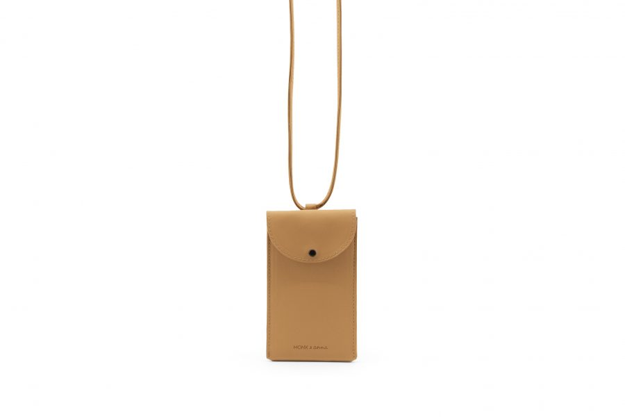 1601567 – Monk & Anna – product – Phone pouch – vegan leather – cashew