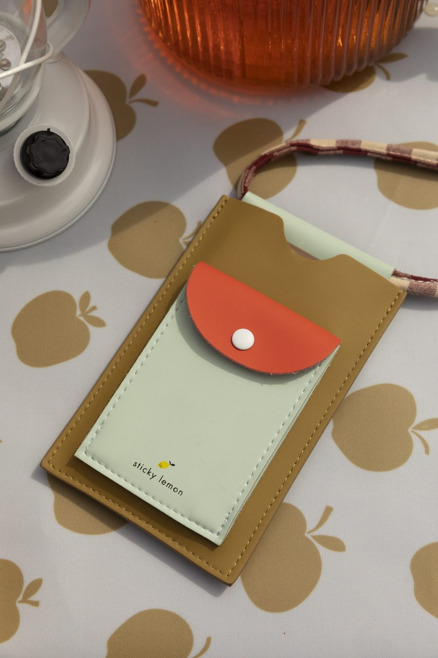 1801908 – Sticky Lemon – style – phone pouch – pool green – apple red – leaf green